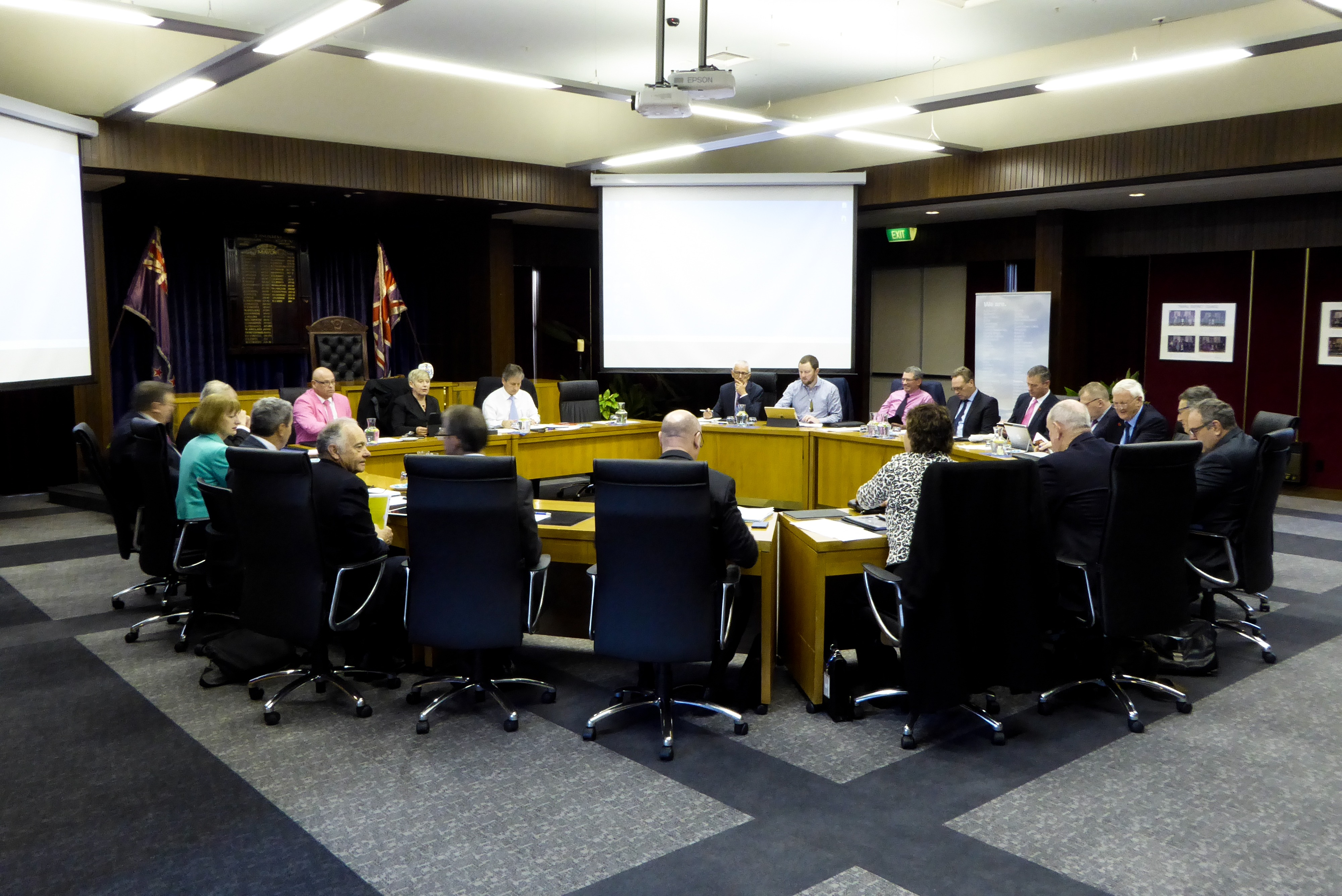 Canterbury Mayoral Forum meets in Timaru District Council Chamber, 26 May 2017